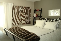 Monroe_Suite 14_Bedroom_Bed