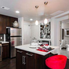 The Huxley - 1 Bedroom Kitchen w Island