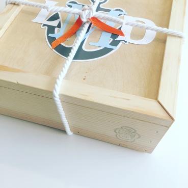 Gift box: baby boy TSL logo