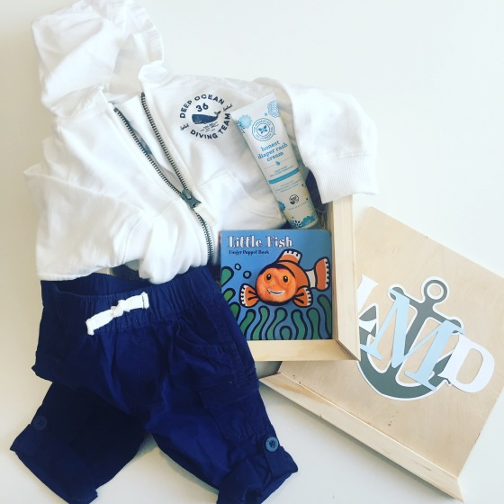 Gift box: baby boy outfit